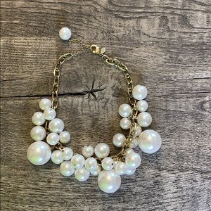 Express pearl and gold necklace